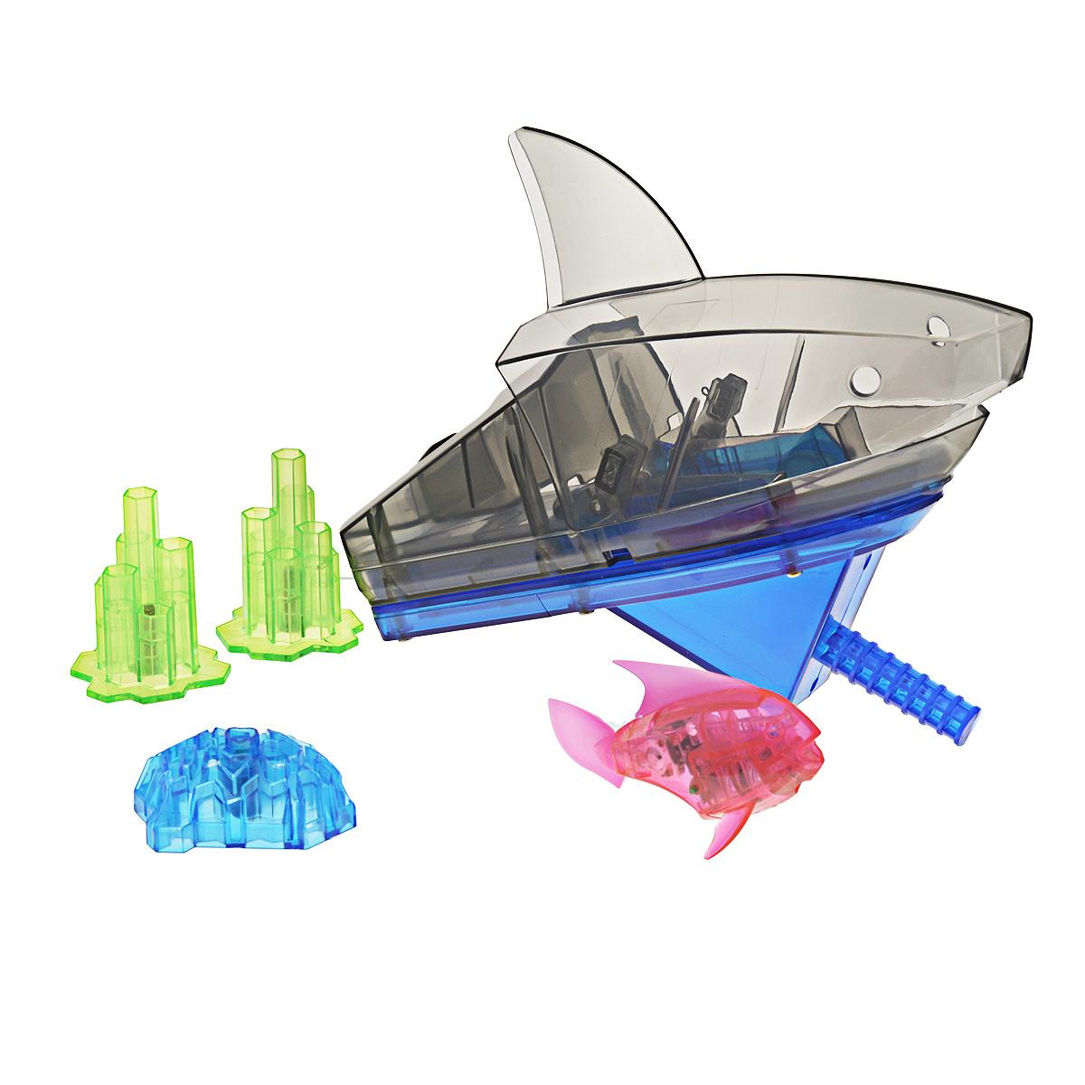 Игровой набор Aqua Bot Shark Tank, цвет: розовый460-3358розовыйУникальный набор Hexbug Aquabot Shark Tank изготовлен из безопасного пластика и выполнен в виде забавной рыбки с аквариумом и игровыми элементами для него. Теперь микро-роботы осваивают и водные глубины! В набор входит рыбка-робот, аквариум, три игрушечных коралла, декоративная голова акулы. Микро-робот Hexbug Aqua Bot плавает как настоящая рыба и непредсказуем в направлении движения. Опустите его в воду и он оживет! Если микро-робот замер, то достаточно просто всколыхнуть воду и он снова поплывёт. Вне воды микро-робот автоматически выключается. Микро-робот светится в темноте. Для работы игрушки необходимы 2 батареи типа AG13/LR44 (входят в комплект).