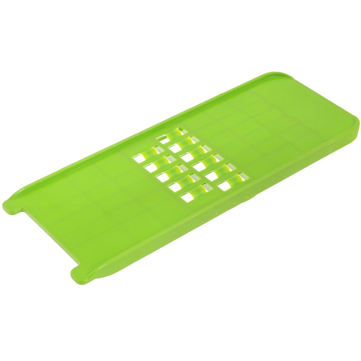 Терка-овощерезка Borner, цвет: зеленый, 10 х 26,5 х 1,5 см3810174Терка-овощерезка Borner будет отличным помощником на вашей кухне, особенно для любителей пиццы, картофельно-сырной запеканки и селедки под шубой. Терка-овощерезка имеет ударопрочный пластмассовый корпус с острыми двухсторонними ножами. Виды нарезки: длинная, плоская, тонкая, но широкая стружка-лапша - для нарезки сыра и любых овощей; крупная стружка для любых овощей нарезаемых поперек длины (например, морковь, огурец). Приятная деталь - у овощерезки нет металлических ножей, а вареные овощи не прилипают к пластмассовой терке. Размер терки-овощерезки: 10 см х 26,5 см х 1,5 см.