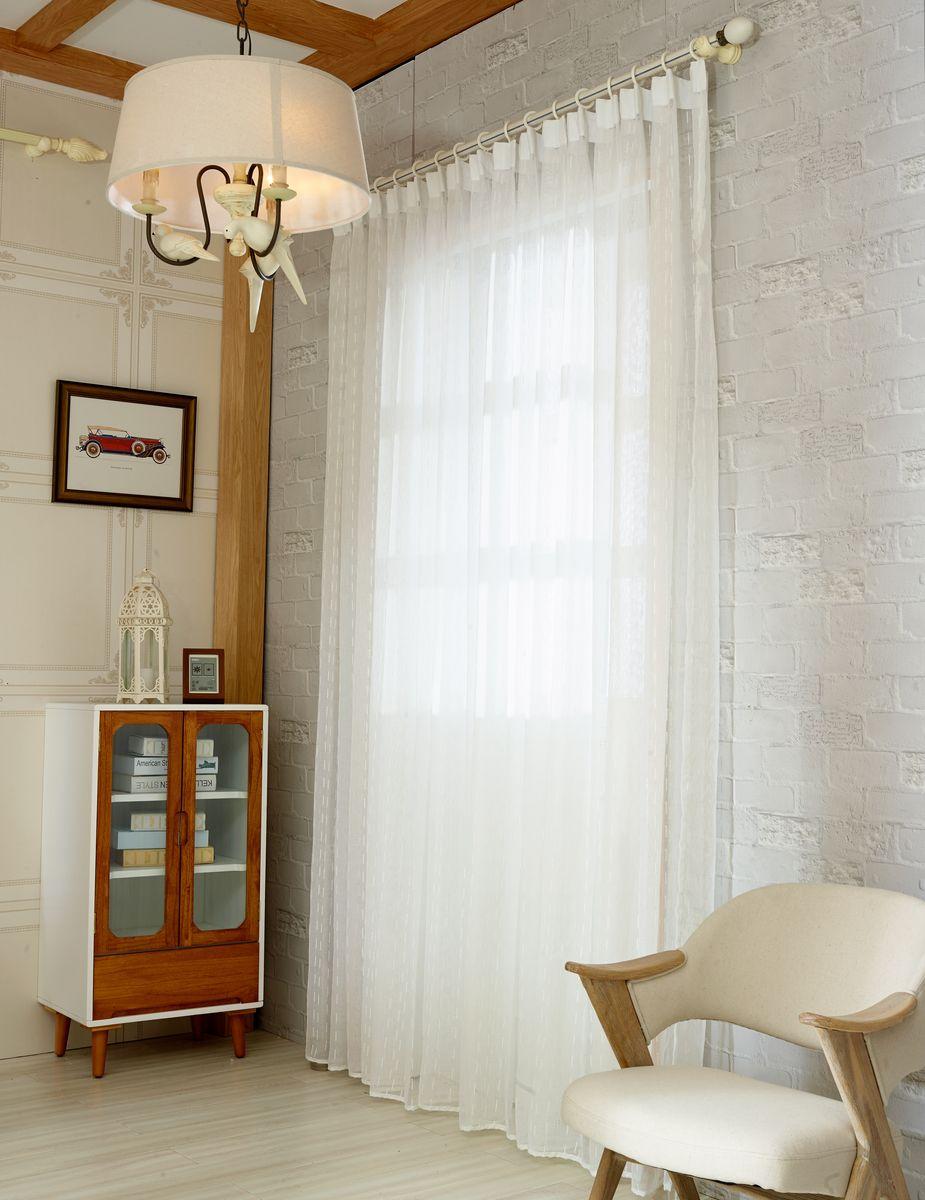 Тюль Zlata Korunka, на ленте, цвет: белый, высота 250 см. 20154-520154-5Тюль Zlata Korunka изготовлен из 100% полиэстера и великолепно украсит любое окно. Воздушная ткань и приятная, приглушенная гамма привлекут к себе внимание и органично впишутся в интерьер помещения. Полиэстер - вид ткани, состоящий из полиэфирных волокон. Ткани из полиэстера - легкие, прочные и износостойкие. Такие изделия не требуют специального ухода, не пылятся и почти не мнутся. Крепление к карнизу осуществляется с использованием тесьмы. Такой тюль идеально оформит интерьер любого помещения.