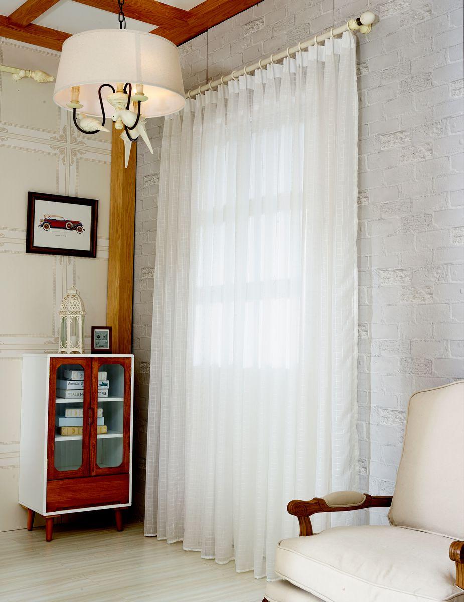 Тюль Zlata Korunka, на ленте, цвет: белый, высота 270 см. 20156-720156-7Тюль Zlata Korunka изготовлен из 100% полиэстера и великолепно украсит любое окно. Воздушная ткань и приятная, приглушенная гамма привлекут к себе внимание и органично впишутся в интерьер помещения. Полиэстер - вид ткани, состоящий из полиэфирных волокон. Ткани из полиэстера - легкие, прочные и износостойкие. Такие изделия не требуют специального ухода, не пылятся и почти не мнутся. Крепление к карнизу осуществляется с использованием ленты-тесьмы. Такой тюль идеально оформит интерьер любого помещения. Рекомендации по уходу: - ручная стирка, - можно гладить, - нельзя отбеливать.