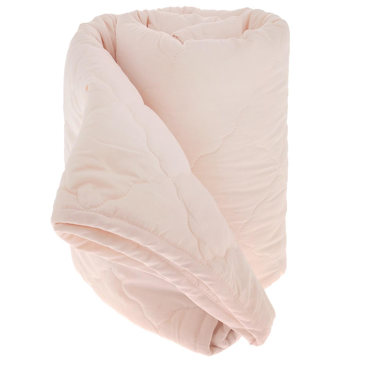 Одеяло La Prima В нежности микрофибры, наполнитель: полиэфирное волокно, цвет: персиковый, 140 см х 205 см855/0222945/100/943Одеяло La Prima В нежности микрофибры очень легкое, воздушное и одновременно теплое. Идеально подойдет тем, кто ценит мягкость и тепло. Такое изделие подарит комфортный сон. Благодаря особой структуре микроволокна, изделие приобретают дополнительную мягкость и надолго сохраняют свой первоначальный вид. Чехол одеяла выполнен из шелковистой микрофибры, оформленной изящным фактурным теснением в виде бабочек. Наполнитель - полиэфирное волокно - холлотек. Изделие обладает высокой воздухопроницаемостью, прекрасно сохраняет тепло. Оно гипоаллергенно, очень практично и неприхотливо в уходе. Ручная стирка при температуре 30°С. Материал чехла: 100% полиэстер - микрофибра. Наполнитель: полиэфирное волокно - холлотек. Размер: 140 см х 205 см.
