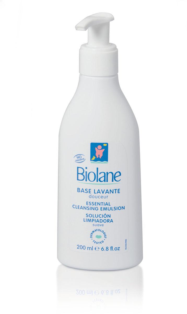 Biolane Мягкое средство для купания детей, 200 млBS200Мягкое средство для купания Biolane предназначено для ежедневной гигиены малыша в первые месяцы жизни. Оно бережно очищает кожу и сохраняет водно-липидный баланс, препятствует появлению сухости. Уникальный комплекс биологически активных веществ на основе масла зародышей пшеницы Hydra-Bleine способствует увлажнению кожи и питает ее. Не раздражает глазки ребенка (купание без слез). Не содержит мыла. Товар сертифицирован.