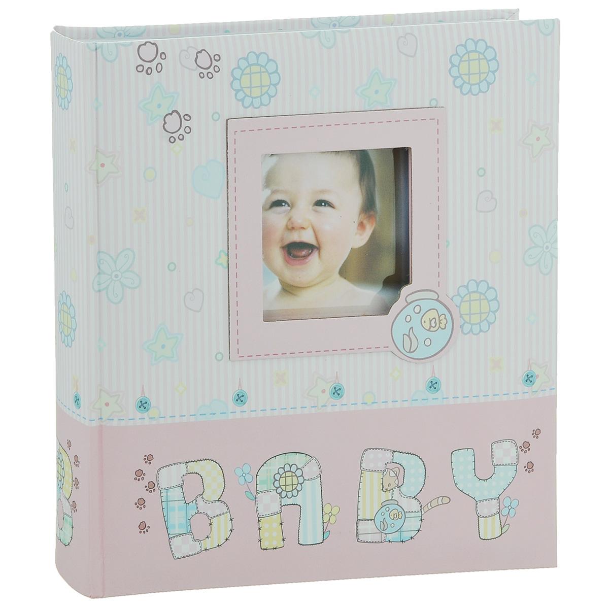 Фотоальбом Image Art Baby, цвет: розовый, белый, 200 фотографий, 10 x 15 смBBM46200/2/037_розовый, белыйФотоальбом Image Art Baby поможет красиво оформить фотографии вашего малыша. Обложка выполнена из толстого картона. С лицевой стороны обложки имеется квадратное окошко для вашей самой любимой фотографии. Внутри содержится блок из 50 белых листов с фиксаторами-окошками из полипропилена. Альбом рассчитан на 200 фотографий формата 10 см х 15 см (по 2 фотографии на странице). Для фотографий предусмотрено поле для записей. Переплет - книжный. Нам всегда так приятно вспоминать о самых счастливых моментах жизни, запечатленных на фотографиях. Поэтому фотоальбом является универсальным подарком к любому празднику. Количество листов: 50. Размер фотографии: 10 х 15 см.