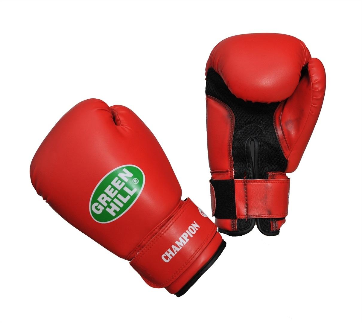 Перчатки боксерские Green Hill Champion, цвет: красный. Вес 8 унцийBGC-2040bБоксерские перчатки Green Hill Champion предназначены для тренировок и соревнований. Верх выполнен из синтетической кожи, наполнитель - из пенополиуретана. Вставка из прочной замшевой сетки в области ладони позволяет создать максимально комфортный терморежим во время занятий. Перчатка хорошо проветривается благодаря системе воздухообмена. Широкий ремень, охватывая запястье, полностью оборачивается вокруг манжеты, благодаря чему создается дополнительная защита лучезапястного сустава от травмирования. Застежка на липучке способствует быстрому и удобному одеванию перчаток, плотно фиксирует перчатки на руке.