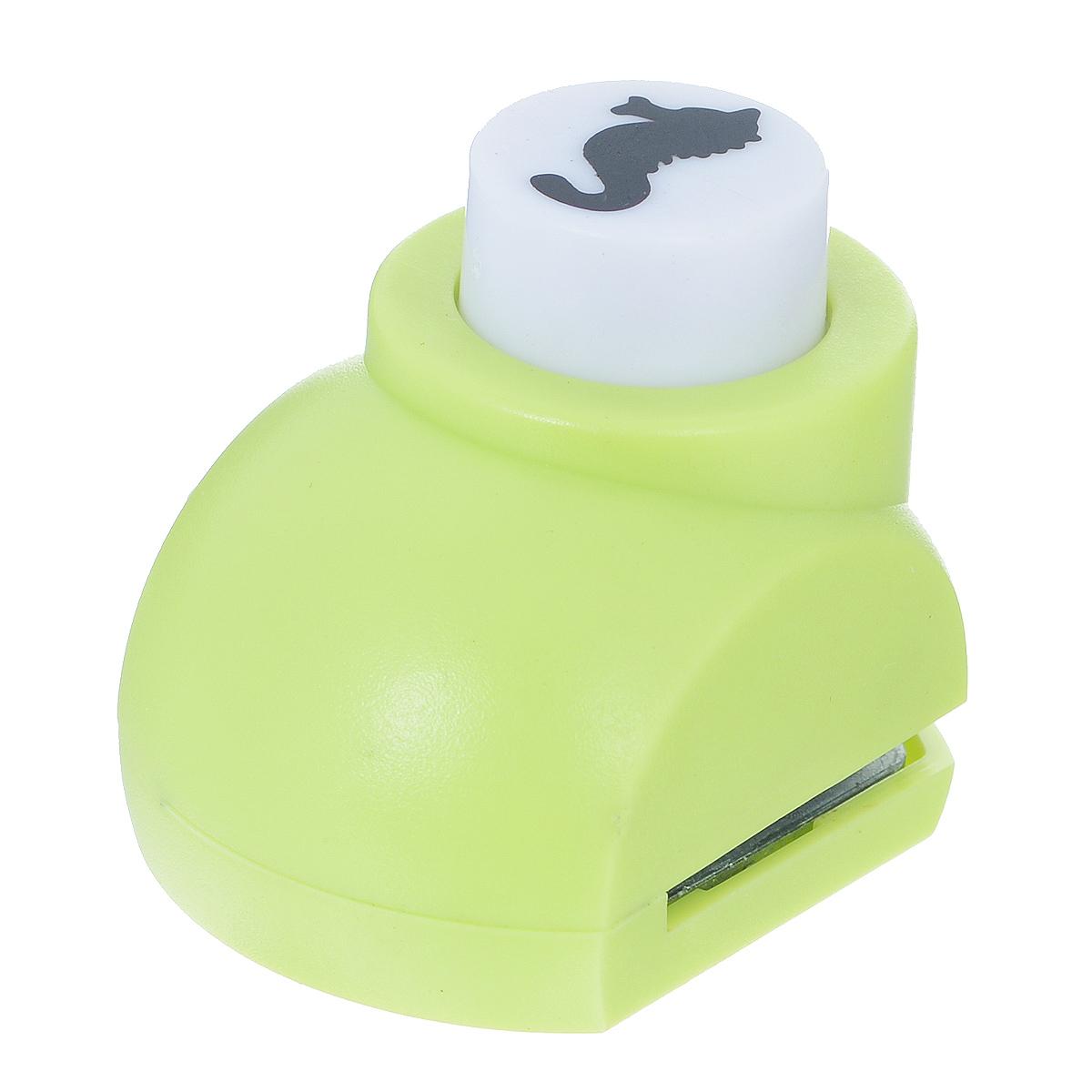 Дырокол фигурный Астра Морской конек. JF-8227709604_298Дырокол Астра Морской конек поможет вам легко, просто и аккуратно вырезать много одинаковых мелких фигурок. Режущие части компостера закрыты пластмассовым корпусом, что обеспечивает безопасность для детей. Можно использовать вырезанные мотивы как конфетти или для наклеивания. Дырокол подходит для разных техник: декупажа, скрапбукинга, декорирования. Размер дырокола: 4 см х 3 см х 4 см. Размер готовой фигурки: 1,5 см х 0,7 см.