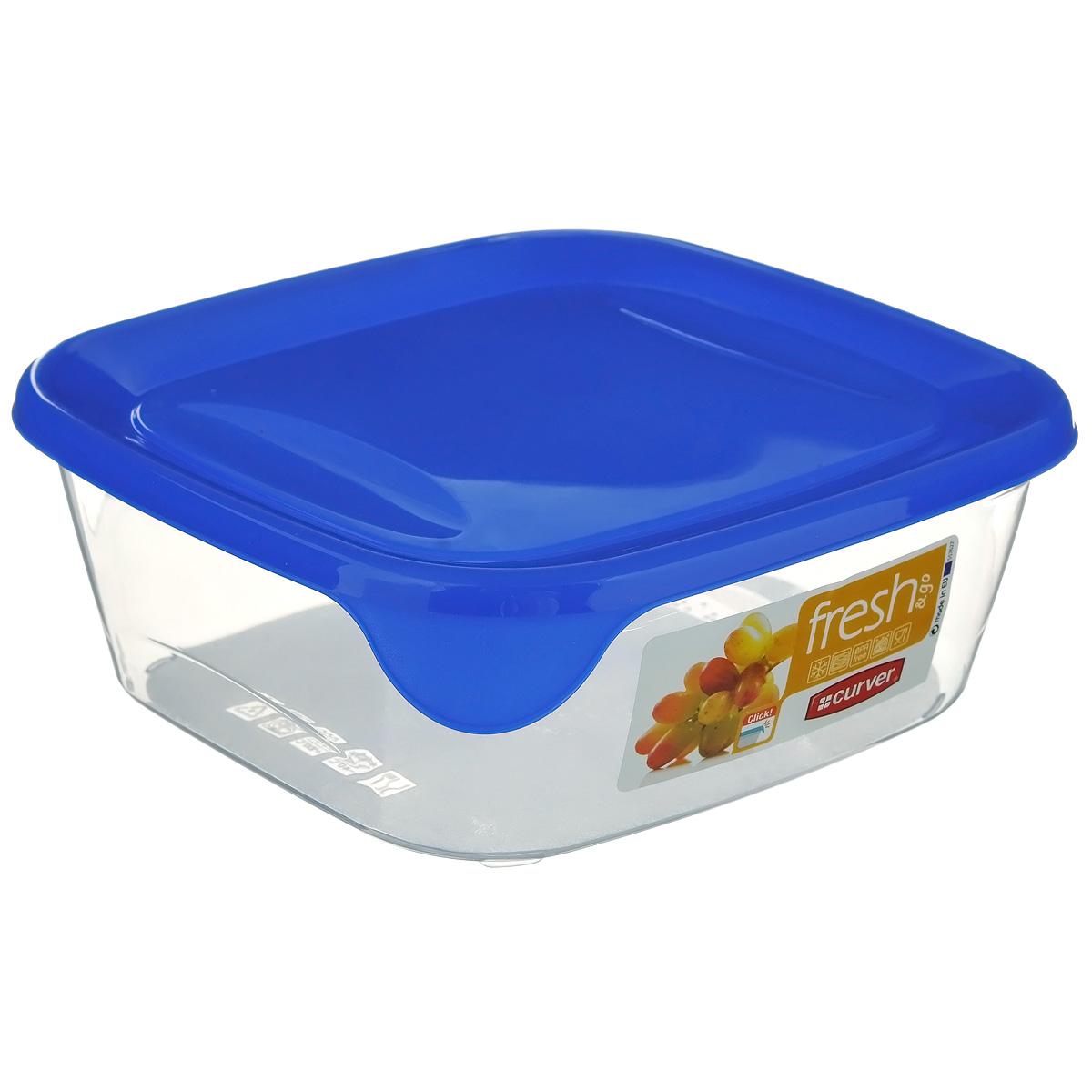 Емкость для заморозки и СВЧ Curver Fresh & Go, цвет: синий, 0,8 л00559-139-01Квадратная емкость для заморозки и СВЧ Curver изготовлена из высококачественного пищевого пластика (BPA free), который выдерживает температуру от -40°С до +100°С. Стенки емкости прозрачные, а крышка цветная. Она плотно закрывается, дольше сохраняя продукты свежими и вкусными. Емкость удобно брать с собой на работу, учебу, пикник или просто использовать для хранения пищи в холодильнике. Можно использовать в микроволновой печи и для заморозки в морозильной камере. Можно мыть в посудомоечной машине.