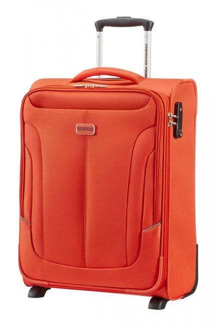 Чемодан American Tourister Coral Bay, цвет: оранжевый, 37,5 л97A*96003Чемодан American Tourister Coral Bay прекрасно подойдет для путешествий. Выполнен из плотного полиэстера, материал внутренней отделки - атласная полиэстеровая ткань. Чемодан очень вместителен, он содержит продуманную внутреннюю и внешнюю организацию. Имеется одно большое отделение, которое закрывается по периметру на застежку-молнию с двумя бегунками. Внутри содержится большой отдел для одежды с багажными ремнями, соединяющимися при помощи пластикового карабина, а также сетчатый карман на молнии для различных аксессуаров. С внешней стороны расположено два кармана на молнии для мелких вещей и документов. В одном из карманов имеется карабин для ключей. Для удобной перевозки чемодан оснащен четырьмя маневренными колесами, которые обеспечивают легкость перемещения в любом направлении. Телескопическая ручка выдвигается нажатием на кнопку и фиксируется в 2-х положениях. Сверху предусмотрена ручка для поднятия чемодана. Чемодан оснащен кодовым замком TSA, который исключает...