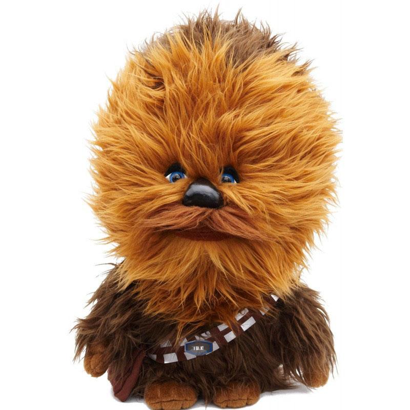 Мягкая озвученная игрушка Star Wars Чубакка, 37 см00106JМягкая озвученная игрушка Star Wars Чубакка порадует любого поклонника знаменитой саги Звездные войны. Игрушка выполнена из высококачественного текстильного материала в виде Чубакки. При нажатии на животик игрушки, она произнесет характерные для персонажа звуки рычания. Чубакка - представитель племени вуки, механик на космическом корабле Хана Соло. Он не способен внятно говорить на человеческом языке и изъясняется хриплым рёвом на языке вуки Оригинальная мягкая игрушка непременно поднимет настроение своему обладателю и станет замечательным подарком любому ребенку или взрослому, увлеченному вселенной Звездных войн. Рекомендуется докупить 3 батарейки напряжением 1,5V типа LR44/AG13 (товар комплектуется демонстрационными). УВАЖАЕМЫЕ КЛИЕНТЫ! Обращаем ваше внимание на возможные изменения в дизайне упаковки. Поставка осуществляется в зависимости от наличия на складе. Комплектация осталась без изменений.