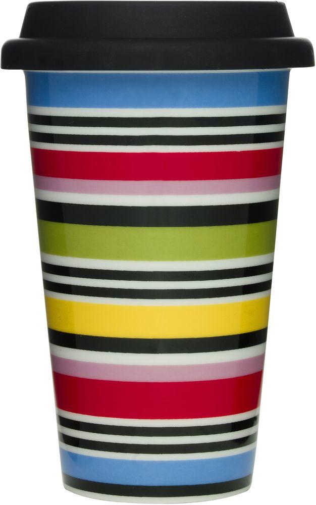 Термокружка Sagaform Cafe, с силиконовой крышкой, 350 мл. 50160175016017Термокружка Sagaform Cafe выполнена из высококачественной керамики с двойными стенками и оформлена оригинальным рисунком. ДДвойные стенки защищают руки от высоких температур и позволяют дольше сохранять тепло напитка. Кружка имеет силиконовую крышку с прорезью для питья. Кружка порадует каждого, кто ее увидит, и великолепно украсит кухонный интерьер. Кружку можно мыть в посудомоечной машине. Диаметр по верхнему краю: 9 см. Высота кружки (без учета крышки): 13,5 см. Объем кружки: 350 мл.