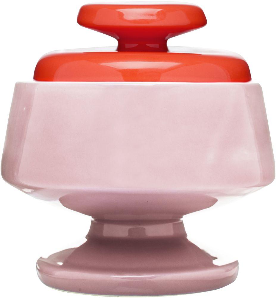 Сахарница Sagaform POP, цвет: красный, розовый, 580 мл5016445Сахарница Sagaform POP изготовлена из высококачественной керамики. В ней будет удобно хранить сахар и другие продукты. Оригинальный дизайн позволит украсить любую кухню, внеся разнообразие, как в строгий классический стиль, так и в современный кухонный интерьер. Можно мыть в посудомоечной машине. Высота сахарницы (без учета крышки): 11 см. Диаметр по верхнему краю: 9 см. Объем: 580 мл.