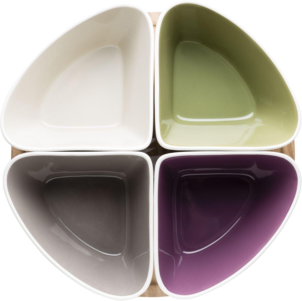 Менажница Sagaform Taste, на подставке, 4 секции. 50165495016549Менажница Sagaform Taste, изготовленная из высококачественной керамики, состоит из 4 секций-емкостей, установленных на подставку из натурального дуба. Некоторые блюда можно подавать только в менажнице, чтобы не произошло смешение вкусовых оттенков гарниров. Также менажница может быть использована в качестве посуды для нескольких видов салатов или закусок. Благодаря оригинальному элегантному дизайну менажница на подставке идеально впишется в интерьер вашей кухни и станет достойным подарком для родных и друзей. Количество секций: 4 шт. Размер секции: 17 см х 13 см х 9 см. Диаметр подставки: 27 см.