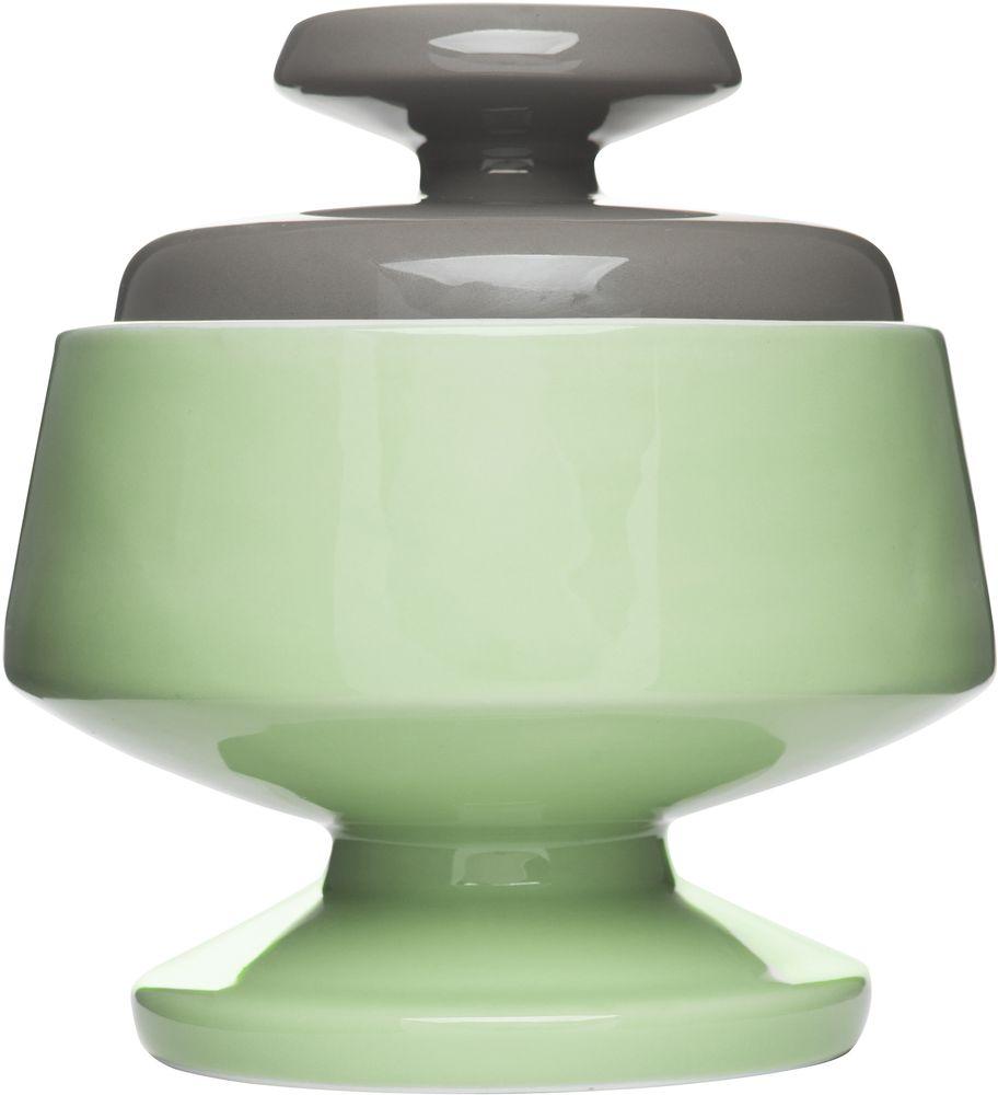 Сахарница Sagaform POP, цвет: зеленый, серый, 580 мл5016592Сахарница Sagaform POP изготовлена из высококачественной керамики. В ней будет удобно хранить сахар и другие продукты. Оригинальный дизайн позволит украсить любую кухню, внеся разнообразие, как в строгий классический стиль, так и в современный кухонный интерьер. Можно мыть в посудомоечной машине. Высота сахарницы (без учета крышки): 11 см. Диаметр по верхнему краю: 9 см. Объем: 580 мл.