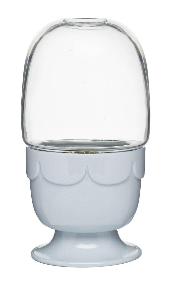 Горшок для цветов Sagaform, с крышкой, цвет: светло-серый, прозрачный, диаметр 11 см5017187Цветочный горшок Sagaform выполнен из высококачественной керамики и предназначен для выращивания в нем цветов, растений и трав. Горшок оснащен стеклянной крышкой-куполом. Такой горшок порадует вас современным дизайном и функциональностью, а также оригинально украсит интерьер помещения. Диаметр горшка: 11 см. Высота горшка (с учетом крышки): 22 см. Высота горшка (без учета крышки): 10,5 см.