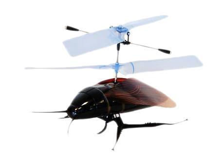 Revell Вертолет на радиоуправлении Кукарача24012Кукарача - маленький вертолет. Управляется модель достаточно легко и интересно. Вертолет Кукарача может летать где угодно. Такой вертолет - отличное приобретение для каждого так, как у него минимальный вес, максимальная устойчивость, минимальная скорость полета, простота управления, крошечный размер. Модель оснащена пенопластовым корпусом и гибкими нейлоновыми лопастями. Модель управляется с пульта управления по двум каналам: левая ручка передатчика регулирует высоту полета, правая ручка передатчика отвечает за изменение направления полета по курсу. Вертолет заряжается от передатчика через специальный шнур, поэтому его можно брать с собой куда угодно. Вертолет Кукарача понравится Вам и Вашим детям!