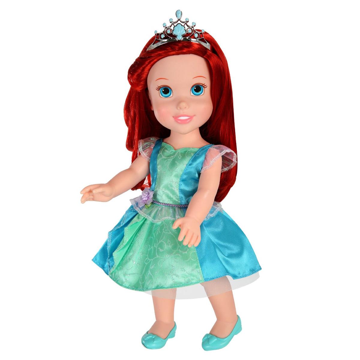 Disney Princess Кукла Малышка791820Кукла Disney Princess Малышка - прекрасная принцесса, которая обязательно понравится вашей дочурке. В ассортименте Золушка, Ариэль и Рапунцель. Туловище куклы выполнено из высококачественного пластика; голова, ручки и ножки подвижны. Принцесса одета в красивое платье, на ножках туфельки. Кукла имеет большие очень выразительные глазки и длинные мягкие волосы, которые можно заплетать в различные прически. На голове королевская тиара. В комплекте аксессуары для принцессы - зеркальце, расческа, браслет и ободок. Такая куколка очарует вас и вашу дочурку с первого взгляда! Ваша малышка с удовольствием будет играть с принцессой, проигрывая сюжеты из мультфильма или придумывая различные истории. Порадуйте свою дочурку таким замечательным подарком! УВАЖАЕМЫЕ КЛИЕНТЫ! Обращаем ваше внимание на ассортимент товара. Поставка осуществляется в зависимости от наличия на складе.