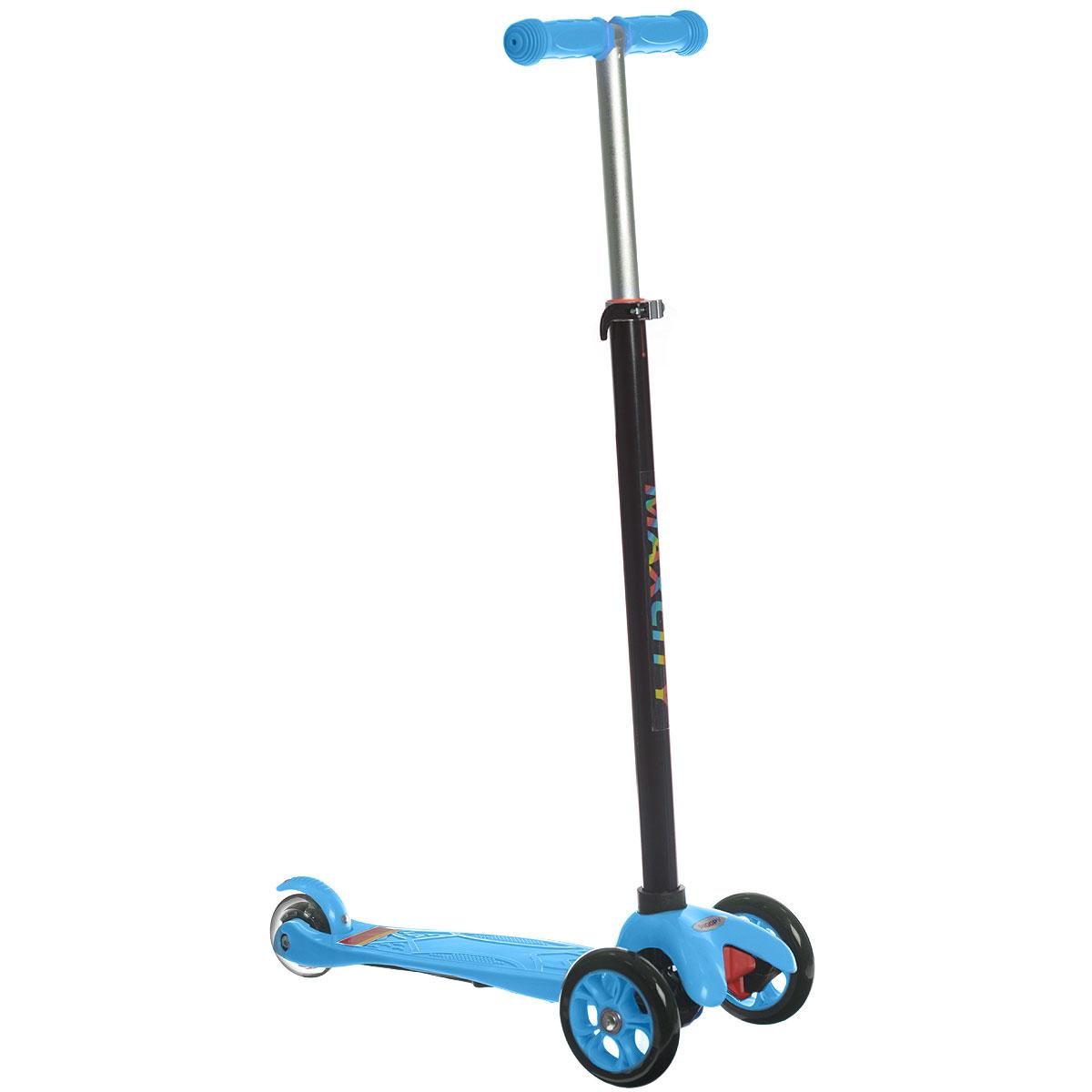Самокат трехколесный MaxCity Snoopy, цвет: синийSNOOPYСамокат MaxCity Snoopy предназначается для самых маленьких. Детки в возрасте от трех до пяти лет придут в неописуемый восторг от подобного подарка! Самокат изготовлен из сверхпрочных современных материалов. Поэтому он легко выдерживает вес 30 кг! Вы можете полностью быть уверены в безопасности вашего малыша. У самоката имеется три колеса, поэтому он обладает отличной устойчивостью! Оснащен пяточным тормозом. Заднее колесо светится при езде. Процесс обучения езде на самокате обладает прекрасным плюсом. Чтобы научиться кататься, ребенку не требуется тренер, который должен на первых порах все время находиться рядом, как было бы при обучении катанию на велосипеде. Это легко объясняется конструкцией данной модели самоката. Ваш малыш сможет быстро освоить, как нужно кататься. Он ни разу при этом не упадет! Детский транспорт способен приносить ребенку лишь радость.