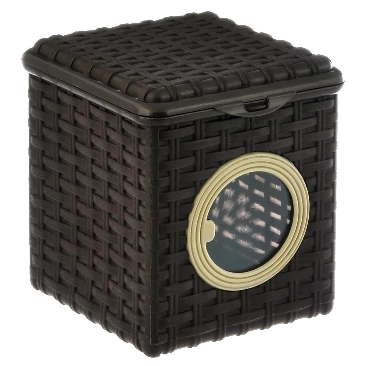 Контейнер для мелочей Violet, цвет: коричневый, 16 х 17 х 18 см2003/1Квадратный контейнер Violet изготовлен из прочного пластика и оформлен плетением под корзинку. Контейнер имеет прозрачное пластиковое окошко. Также у контейнера имеется откидная крышка, которая закрывается на защелку. Контейнер Violet идеально подойдет для хранения различных мелочей. Размер: 16 см х 17 см. Высота стенки: 18 см. Объем: 3 л.