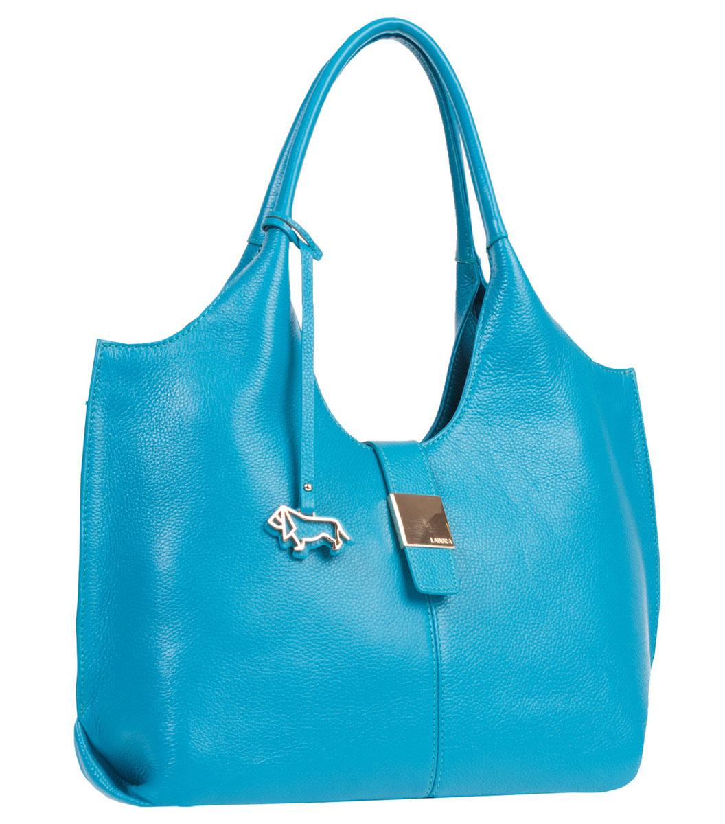 Сумка женская Labbra, цвет: бирюзовый. L-DL90389-1L-DL90389-1Элегантная женская сумка Labbra выполнена из натуральной кожи сочного оттенка. Лицевая сторона сумки дополнена металлическим элементом с логотипом бренда и подвеской. Изделие содержит одно основное отделение, закрывающееся на застежку-молнию, дополнительно закрывается на магнитную кнопку. Внутри - врезной карман на молнии, два накладных кармашка для мобильного телефона и мелочей, два дополнительных накладных кармана, один из них на молнии. Сумка оснащена практичными и удобными ручками. Дно сумки защищено металлическими ножками, которые уберегут изделие от повреждений. Стильная сумка позволит вам подчеркнуть свою индивидуальность, и сделает ваш образ изысканным и завершенным.