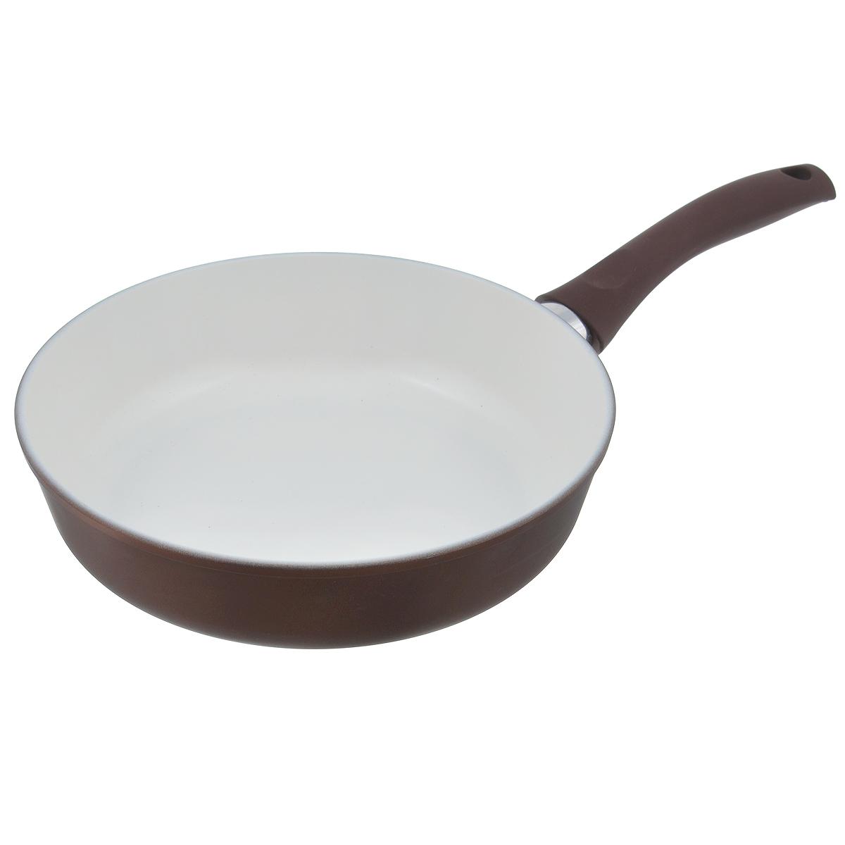 Сковорода Ecoway Горячий шоколад, с керамическим покрытием. Диаметр 26 см201126Сковорода Ecoway Горячий шоколад изготовлена из литого алюминия с немецким керамическим противопригарным покрытием. Оно не выделяет вредных веществ даже при температуре 400°С, отличается экологичностью, так как не содержит вредных примесей PFOA и PTFE. Пища, приготовленная в этой сковороде, имеет удивительный вкус. Благодаря качественному керамическому покрытию пища поджарится, но не пригорит. Литой корпус с утолщенным дном позволит готовить при правильных температурах (не выше 250°С), а значит, блюдо будет сочным и богатым витаминами. При приготовлении можно использовать металлические аксессуары. Удобная ручка выполнена из бакелита с прорезиненным приятным на ощупь покрытием. Подходит для стеклокерамических, электрических и газовых плит. Диаметр: 26 см. Высота стенки: 6,8 см. Толщина стенки: 4 мм. Толщина дна: 6 мм. Длина ручки: 19 см.
