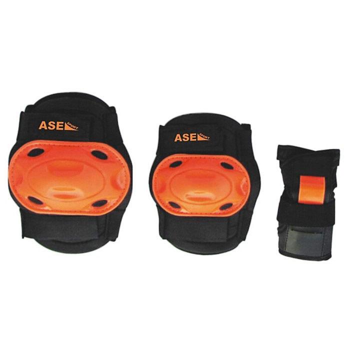 Защита роликовая ASE-609, цвет: оранжевый, черный. Размер LASE-609 р.LКомплект защиты ASE-609 предназначен для комфортного и безопасного катания на роликах, чтобы ребенок при падении не получил травму. Наколенники и налокотники закрывают и предохраняют от ударов локти и колени - места частых ссадин у детей. Специальная защита для запястий уберегает кисть от ударов и предохраняет от вывихов. Защитная экипировка легко надевается и крепится при помощи ремней на липучках.