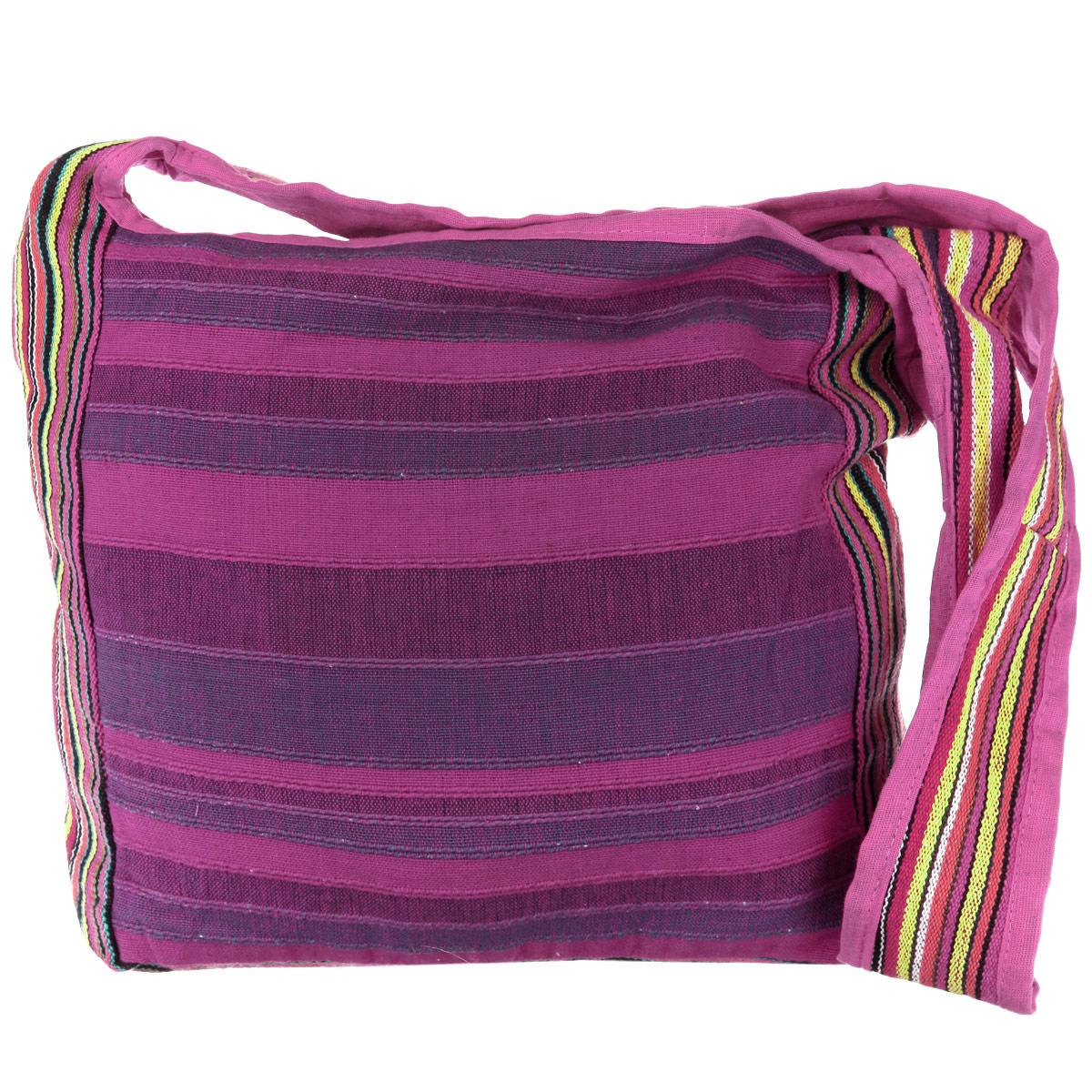 Сумка женская Ethnica, цвет: фиолетовый, фуксия, желтый. 149140149140_цикламеновый,сиреневыйОригинальная женская сумка Ethnica выполнена из натурального хлопка, и оформлена стильными широкими полосками. Сумка состоит из одного основного отделения, закрывающегося на застежку-молнию. Внутри расположен открытый накладной кармашек для мелочей. На задней стороне сумки находится дополнительный прорезной карман на молнии. Боковые стороны сумки оформлены яркими контрастными вставками. Для удобной переноски на плече предусмотрен широкий плечевой ремень. Такая сумка идеально дополнит и подчеркнет ваш неповторимый образ.