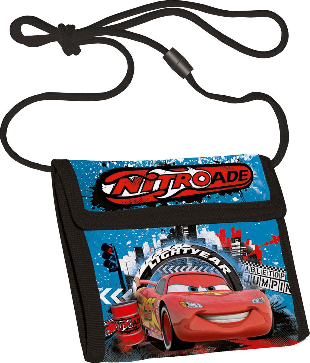 Кошелек детский Cars, цвет: синийCRCB-MT1-022Яркий детский кошелек Cars выполнен из полиэстера и оформлен красочным рисунком. Внутри кошелек оснащен отделением для денежных купюр и карманом на застежке-молнии. Кошелек складывается втрое и закрывается широким клапаном на липучку. На внутренней стороне предусмотрен шнурок, с помощью которого изделие можно носить через плечо или на шее. Кошелек Cars станет надежным спутником для вашего ребенка!