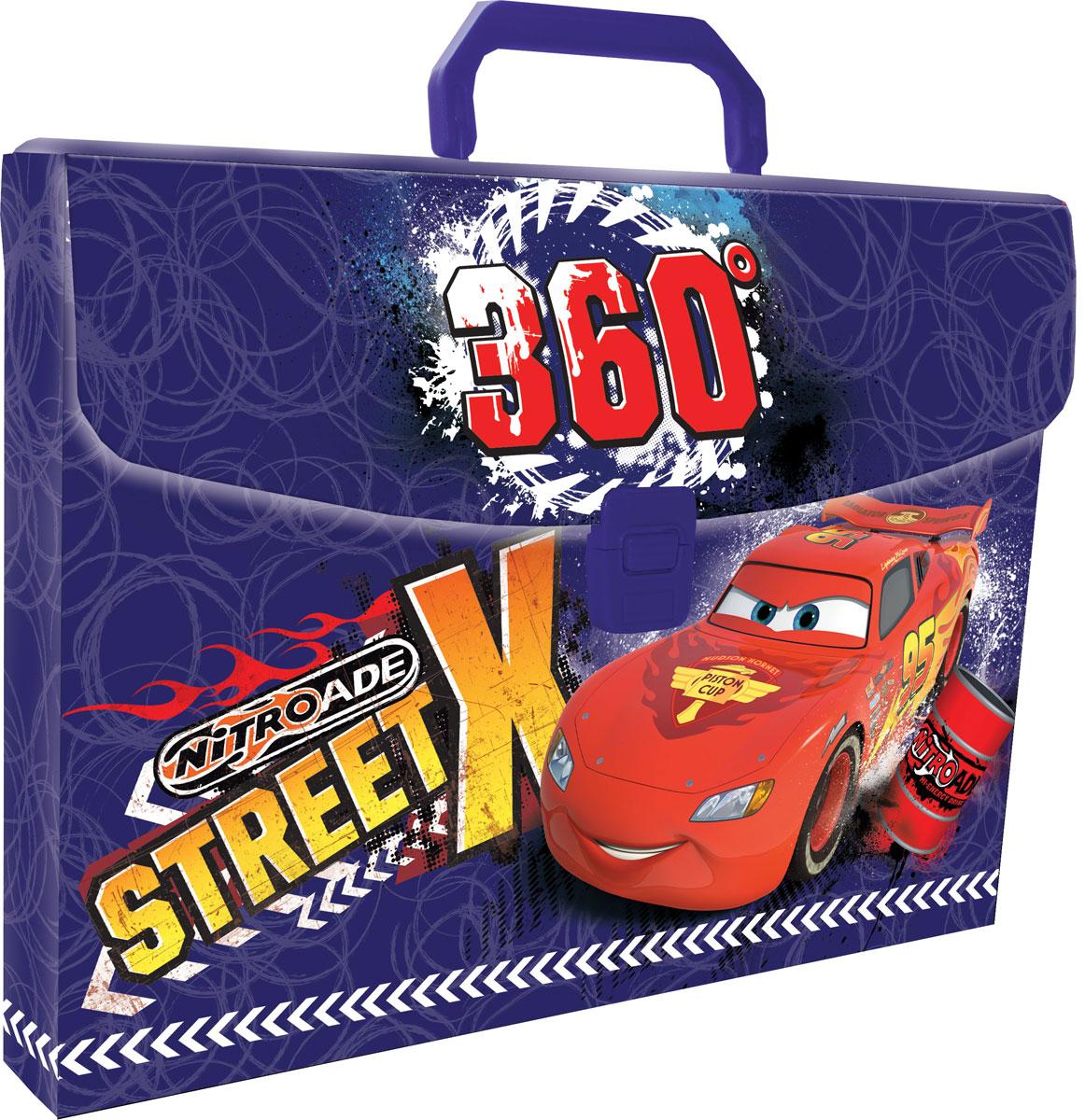 Папка-портфель Cars. Формат А4CRCB-US1-PLB-FB65Легкая папка-портфель Cars - удобный и практичный вариант для транспортировки и хранения различных бумаг и вещей максимального формата А4. Папка прямоугольной формы выполнена из прочного полипропилена и оформлена изображением Молнии МакКуина - персонажа популярного мультфильма Cars (Тачки). Папка-портфель содержит одно вместительное отделение и закрывается с помощью пластиковой защелки. Надежная пластиковая ручка делает транспортировку школьных принадлежностей максимально комфортной и удобной.