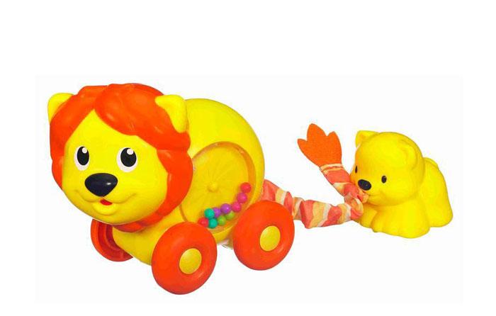 Playskool Развивающая игрушка Львица со львенком39973Развивающая игрушка Playskool Львица со львенком не оставит равнодушным вашего малыша. Игрушка выполнена из безопасного пластика ярких цветов в виде львицы со львенком, который держит во рту ее текстильный хвостик. Если оттянуть львенка как можно дальше от мамы-львицы и отпустить, можно увидеть, как малыш вернется обратно к маме. Внутри львицы распложена круглая сфера с прозрачным окошком, в которой находятся разноцветные шарики. Игрушка снабжена четырьмя колесиками, благодаря которым малыш может катать игрушку, наблюдая, как крутится сфера с шариками внутри львицы. Развивающая игрушка Playskool Львица со львенком поможет ребенку развить цветовое и звуковое восприятие, мелкую моторику рук и координацию движений. Характеристики: Материал: пластик, текстиль. Размер львицы: 12,5 см х 11 см х 7,5 см. Размер львенка: 6 см х 6 см х 5 см. Размер упаковки: 20,5 см х 15 см х 8 см. Изготовитель: Китай.