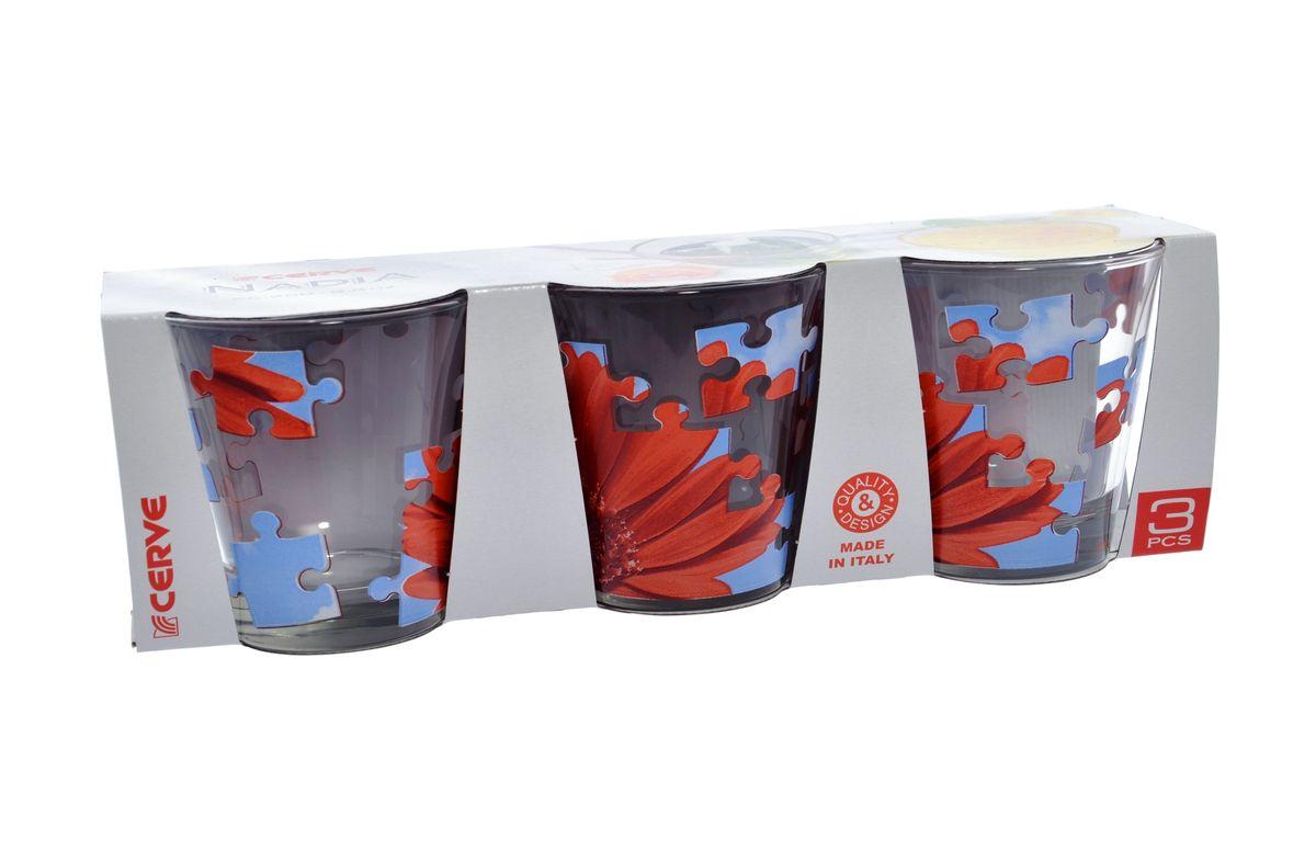 Набор стаканов Cerve Пазл гербера, 250 мл, 3 штCEM42250Набор Cerve Пазл гербера состоит из трех низких стаканов, изготовленных из высококачественного стекла. Внешние стенки оформлены красочным рисунком. Такие стаканы прекрасно подойдут для сока, воды, лимонада и других напитков. Они ярко оформят стол и станут прекрасным дополнением к коллекции вашей кухонной посуды. Можно мыть в посудомоечной машине. Диаметр стакана (по верхнему краю): 8,5 см. Высота стакана: 9 см.