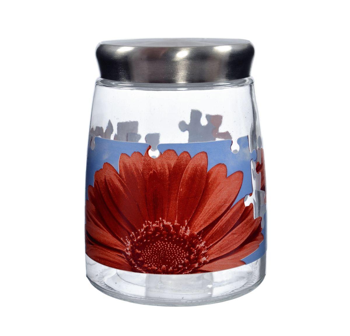 Банка для сыпучих продуктов Cerve Пазл гербера, цвет: прозрачный, красный, 1,38 лCEM42290Банка для сыпучих продуктов Cerve Пазл гербера изготовлена из прочного стекла и декорирована красочным рисунком. Банка оснащена плотно закрывающейся металлической крышкой. Благодаря этому внутри сохраняется герметичность, и продукты дольше остаются свежими. Изделие предназначено для хранения различных сыпучих продуктов: круп, чая, сахара, орехов и многого другого. Функциональная и вместительная, такая банка станет незаменимым аксессуаром на любой кухне. Не рекомендуется мыть в посудомоечной машине. Диаметр (по верхнему краю): 8,5 см. Высота банки (без учета крышки): 16 см.