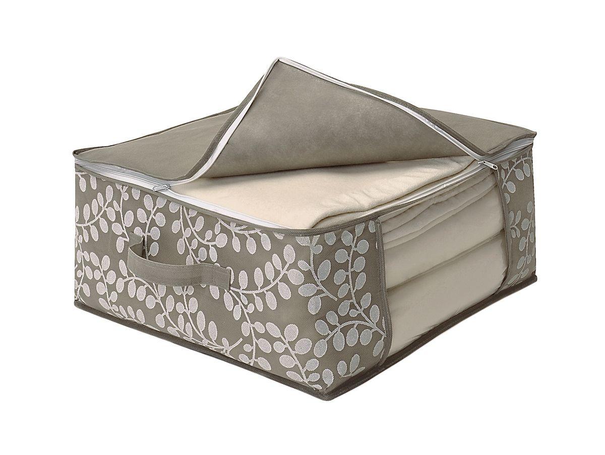 Чехол для одеяла Cosatto Флораль, цвет: серый, 45 х 45 х 20 смCOVLCATF50Чехол для одеяла Cosatto Флораль изготовлен из дышащего нетканого материала (полипропилена), безопасного в использовании. Подходит для одинарных шерстяных или одинарных пуховых одеял. Имеет прозрачное окно и застежку-молнию по периметру, а также ручку для переноски.