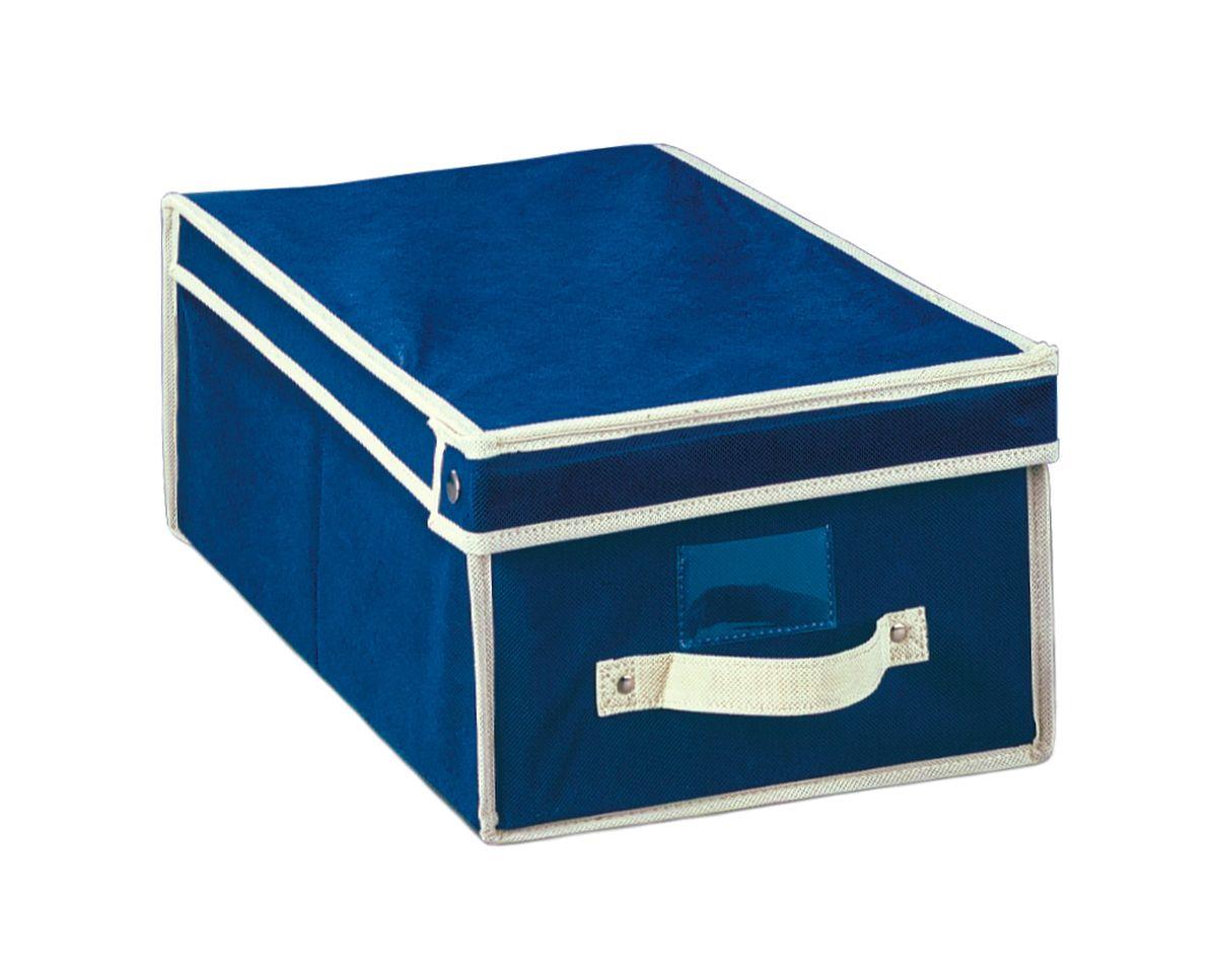 Чехол-коробка 30х45х20 см. COVLSCT001COVLSCT001Складывающийся чехол из дышащего нетканого материала (полипропилен), безопасного в использовании, для хранения одежды, одеял, др. вещей. Представляет собой закрывающуюся крышкой коробку жесткой конструкции благодаря наличию внутри плотных листов картона. Пропускает воздух, но при этом надежно защищает от пыли, моли и солнечных лучей. Имеет удобную ручку для переноски.