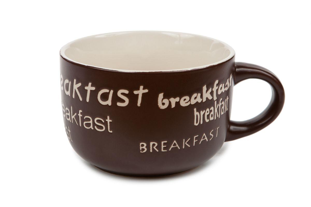 Кружка Wing Star Завтрак, цвет: темно-коричневый, 460 млLJ7-13B-497UКружка Wing Star Завтрак изготовлена из керамики и украшена надписями Breakfast. Wing Star - качественная керамическая посуда из обожженной, глазурованной снаружи и изнутри глины с оригинальными рисунками. При изготовлении данной посуды широко используется рельефный способ нанесения декора, когда рельефная поверхность подготавливается в процессе формовки и изделие обрабатывается с уже готовым декором. Благодаря этому достигается эффект неровного на ощупь рисунка, как бы утопленного внутрь глазури и являющегося его естественным элементом. Кружку можно использовать в СВЧ и мыть в посудомоечной машине. Внутренний диаметр: 10,5 см. Высота стенки: 7,5 см. Объем кружки: 460 мл.