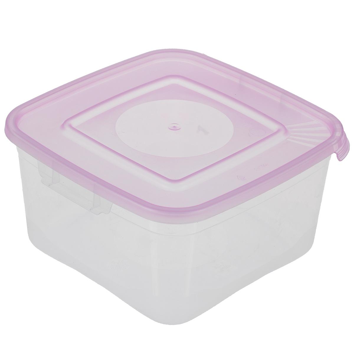 Контейнер Полимербыт Каскад, цвет: прозрачный, сиреневый, 1 лС670Контейнер Полимербыт Каскад квадратной формы, изготовленный из прочного пластика, предназначен специально для хранения пищевых продуктов. Крышка легко открывается и плотно закрывается. Контейнер устойчив к воздействию масел и жиров, легко моется. Прозрачные стенки позволяют видеть содержимое. Контейнер имеет возможность хранения продуктов глубокой заморозки, обладает высокой прочностью. Можно мыть в посудомоечной машине. Подходит для использования в микроволновых печах.