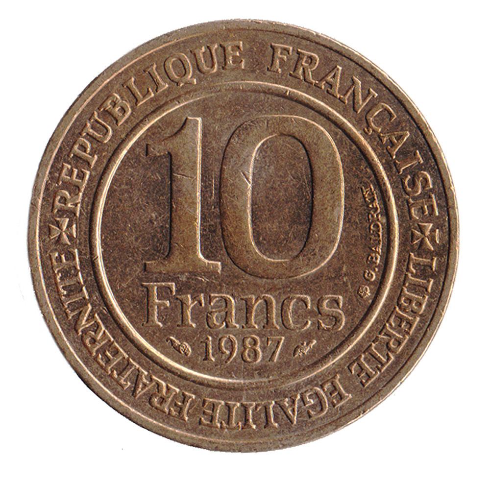Монета номиналом 10 франков Тысячелетие династии Капетингов. Франция. 1987 год401306Материал: Никелевая латунь. Диаметр: 26 мм. Вес: 10 гр. Сохранность: UNC (не бывшая в обращении).