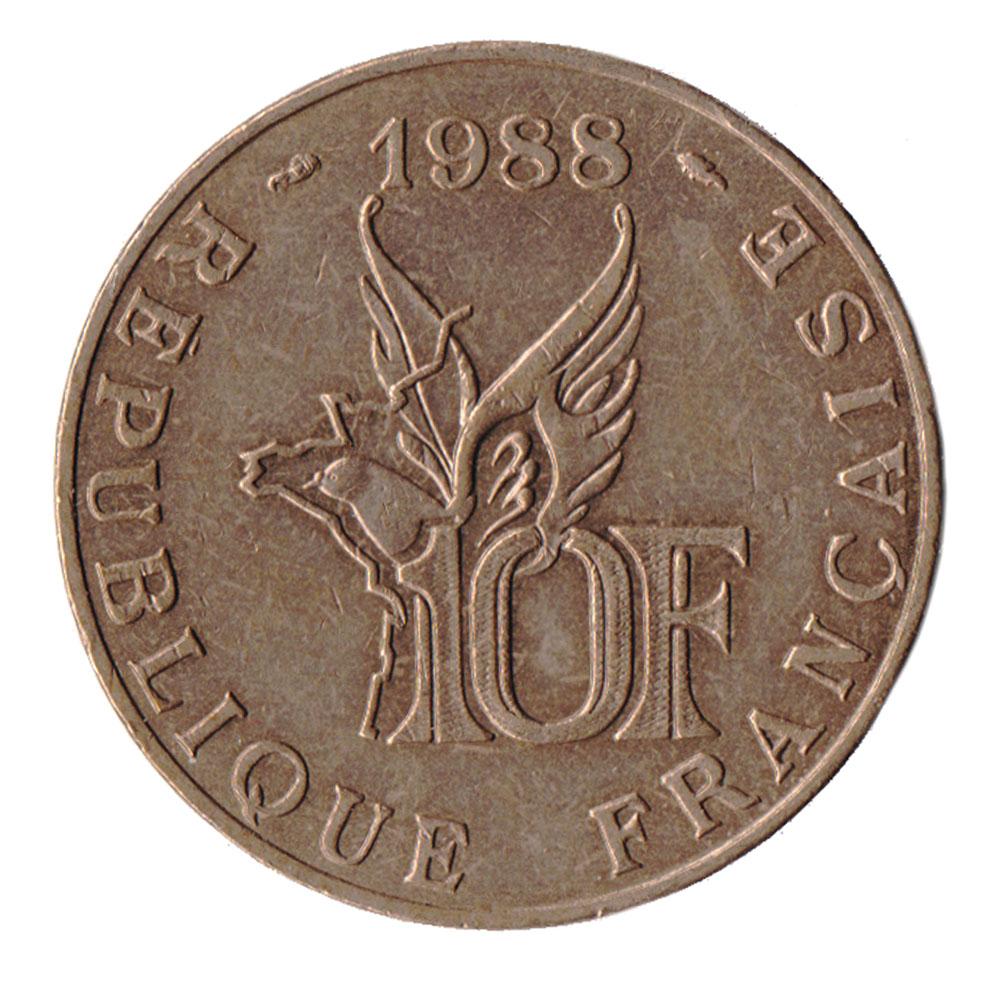 Монета номиналом 10 франков 100 лет со дня рождения Ролана Гарроса. Франция. 1988 год401306Материал: Алюминиевая бронза. Диаметр: 26 мм. Вес: 10 гр. Сохранность: Очень хорошая.