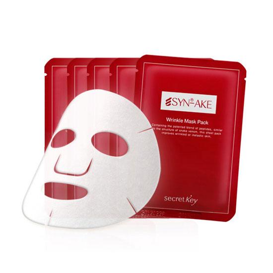Secret Key Отбеливающая маска для лица SYN-AKE Anti Wrinkle & Whitening Mask 20 гр91332SYN-AKE - это вид пептидов, схожих по своей структуре со змеиным ядом. Разработан Pentapharm, Швейцария, одной из лучших косметических компаний в мире. Превосходно борется с морщинами. Улучшает цвет лица и успокаивает кожу. Алоэ предотвращает выработку меланина, защищает кожу, отбеливает и успокаивает. Глубокое питание и долгое увлажнение. Эссенция содержит множество питательных веществ, которые улучшают кожу, оздоравливают и дают длительное увлажнение после использования.
