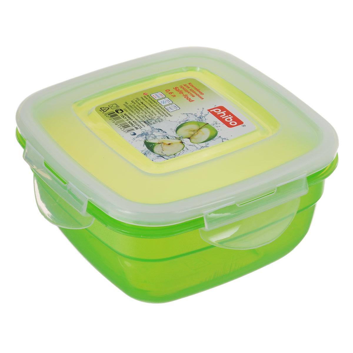 Контейнер Phibo Safe-Food, цвет: прозрачный, зеленый, 0,6 лС11572Контейнер Phibo Safe-Food изготовлен из высококачественного полипропилена и не содержит Бисфенол А. Крышка контейнера прозрачная, плотно закрывается на 4 защелки. Контейнер устойчив к воздействию масел и жиров, легко моется. Подходит для использования в микроволновых печах при температуре до +100°С, выдерживает хранение в морозильной камере при температуре -24°С, его можно мыть в посудомоечной машине при температуре до +95°С. Объем контейнера: 0,6 л.