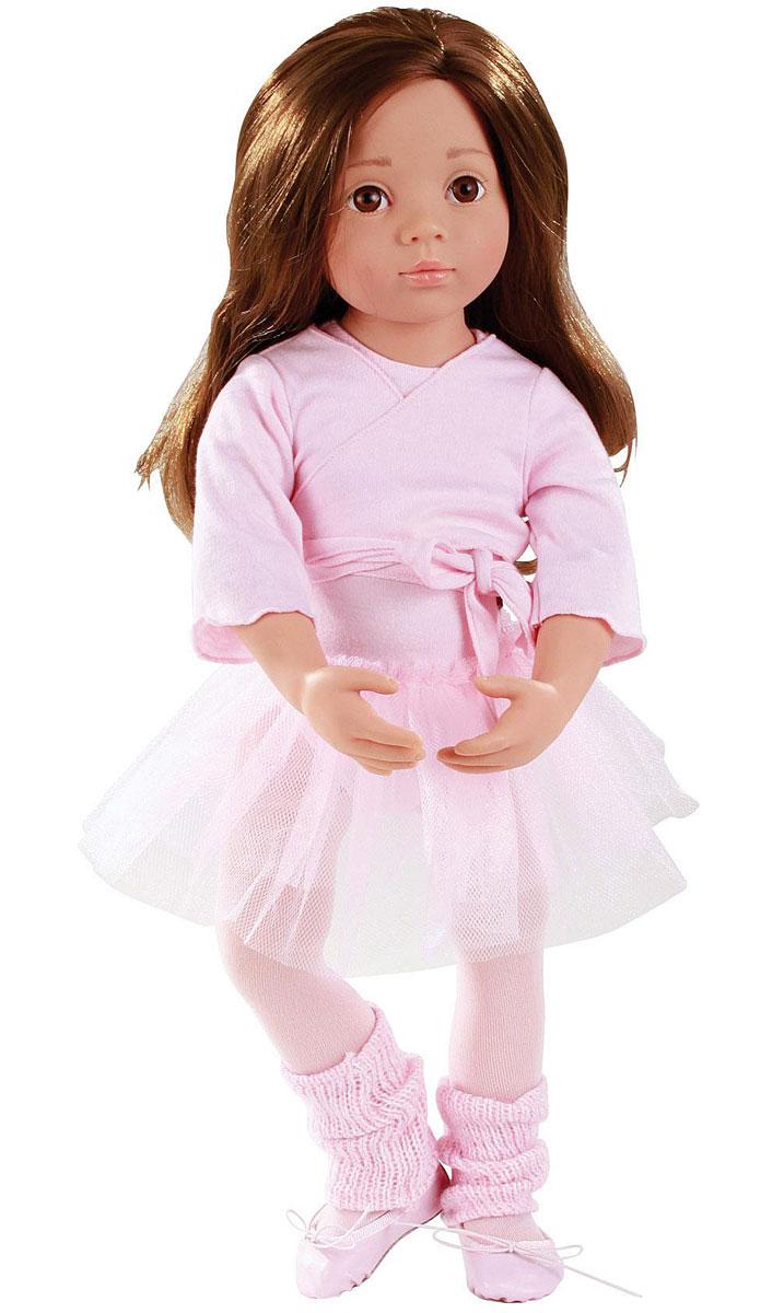 Gotz Кукла Софи1366015Очаровательная кукла Софи-балерина станет замечательным подарком для каждой девочки, а также опытных коллекционеров. С необычной куклой, которая так похожа на настоящую девочку, можно проводить много времени вместе, придумывая увлекательные сюжеты для игр. Кукла Gotz с виниловым подвижным телом подходит для активных игр дома и на улице. У игрушки темные, густые волосы, которые позволяют делать прически, расчесывать и мыть ей голову. Софи одета в красивый наряд балерины, состоящий из пачки, кофточки с запахом, колготок, трикотажных вязаных гетр и тапочек из текстиля. Реалистичные черты лица и большие глазки с ресницами позволяют ребенку погрузиться в атмосферу игр по настоящему сценарию, повторять сюжеты из жизни и заботиться о маленькой девочке.