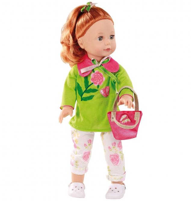 Gotz Кукла Джулия рыжая1390350Очаровательная кукла Джулия с прекрасными рыжими волосами станет замечательным подарком для девочки. С необычной куклой, которая так похожа на настоящую девочку, можно проводить много времени вместе, придумывая увлекательные сюжеты для игр. Кукла Gotz с виниловым подвижным телом подходит для активных игр дома и на улице. Куклу можно переодевать и делать различные прически. Кукла имеет длинные рыжие волосы, которые прочно вшиты для избежания выпадения во время интенсивных игр детей. Кукла, одежда и аксессуары Gotz выполнены из качественных материалов с учетом необходимых стандартов, соответствующих европейским нормативам. Куклу можно мыть, для поддержания одежды в опрятном виде рекомендуется щадящая машинная стирка при температуре 30 градусов.