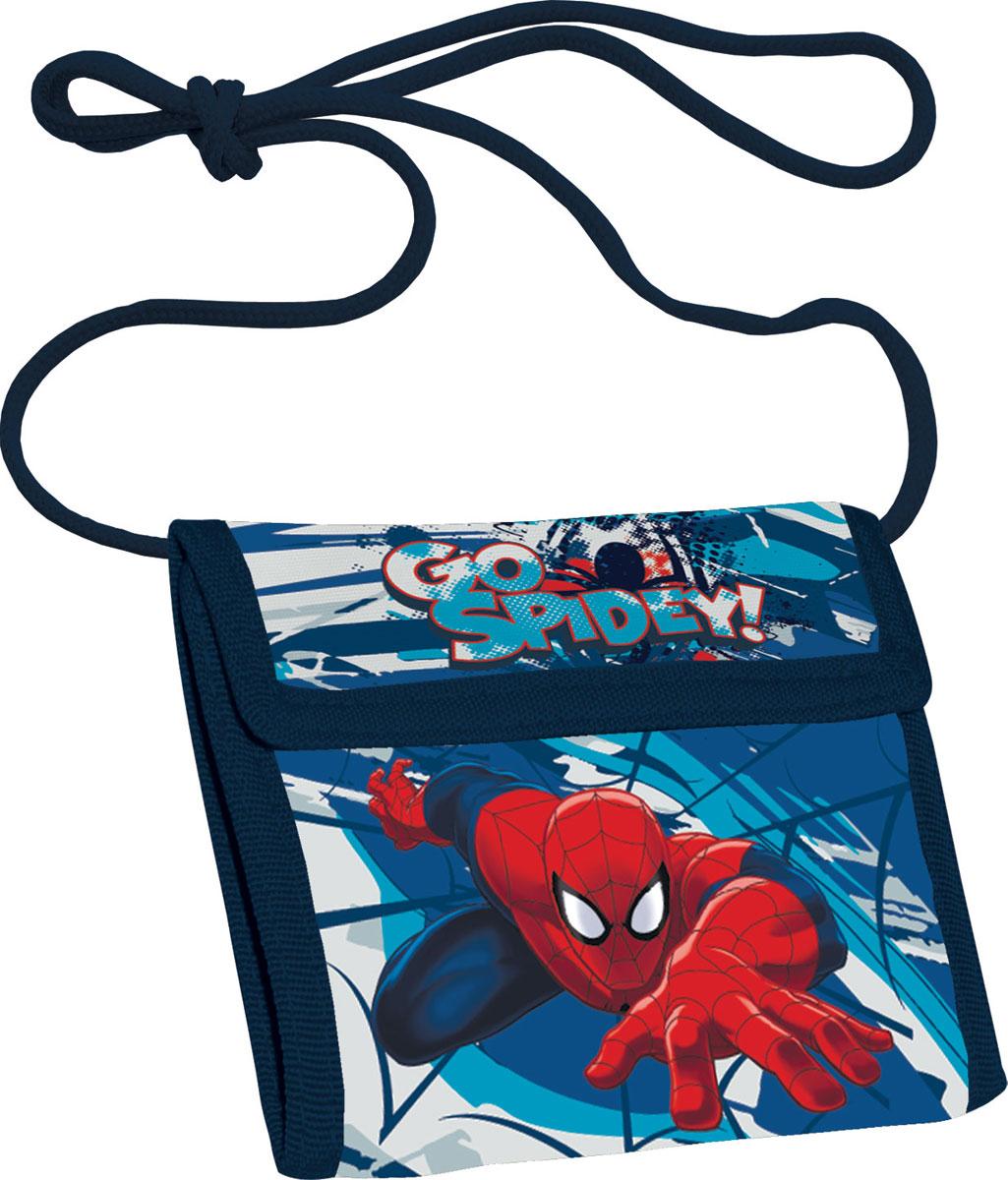 Кошелек детский Spider-Man, цвет: синийSMCB-MT1-022Яркий детский кошелек Spider-Man выполнен из полиэстера и оформлен красочным рисунком. Внутри кошелек оснащен отделением для денежных купюр и карманом на застежке-молнии. Кошелек складывается втрое и закрывается широким клапаном на липучку. На внутренней стороне предусмотрен шнурок, с помощью которого изделие можно носить через плечо или на шее. Кошелек Spider-Man станет надежным спутником для вашего ребенка!