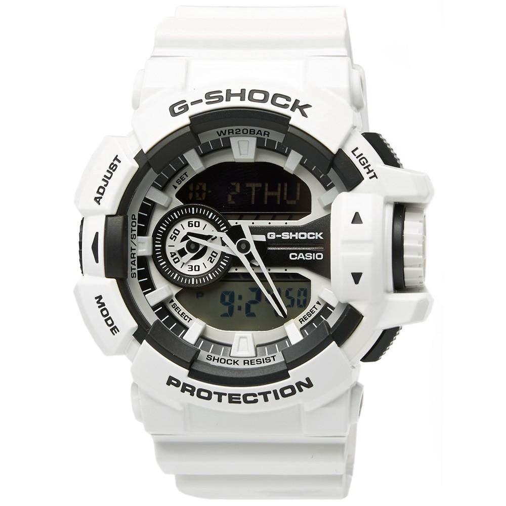 Часы мужские наручные Casio G-SHOCK, цвет: белый, черный. GA-400-7AGA-400-7AСтильные мужские часы Casio G-SHOCK выполнены из полимерных материалов и минерального стекла. Изделие дополнено светодиодной подсветкой высокой яркости, корпус часов оформлен символикой бренда. В часах предусмотрен аналоговый и цифровой отсчет времени. Часы оснащены функцией мирового времени, которая позволяет мгновенно выяснять текущее время. Часы могут быть настроены на подачу тонального или светового сигнала при наступлении выставленного времени. Функция таймера позволит обеспечить обратный отсчет времени, начиная с выставленного и подачу тонального или светового сигнала, когда отсчет доходит до нуля. Функция секундомера позволит замерять прошедшее время в пределах тысячи часов с точностью 1/100 секунды. Степень влагозащиты 20 atm. Изделие дополнено ремешком из полимерного материала, который обладает антибактериальными и запахоустойчивыми свойствами. Ремешок застегивается на пряжку, позволяющую максимально комфортно и быстро снимать и одевать часы. Часы поставляются в...