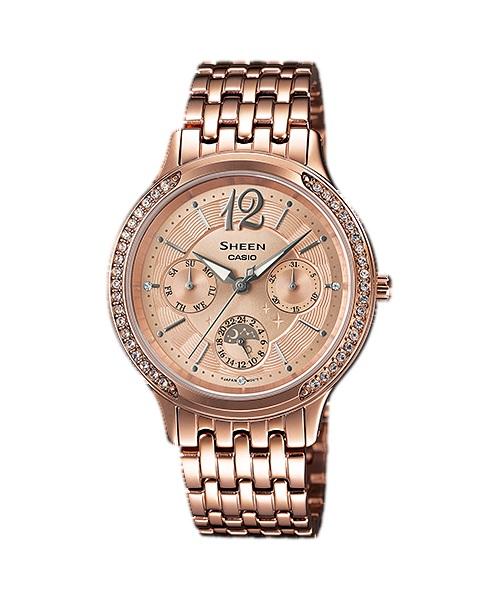 Часы женские наручные CASIO SHEEN, цвет: розовое золото. SHE-3030PG-9ASHE-3030PG-9AЭлегантные женские часы CASIO SHEEN выполнены из нержавеющей стали, минерального стекла. Изделие оформлено кристаллами Swarovski. Часы оснащены полированным корпусом, устойчивым к царапинам минеральным стеклом, кварцевым механизмом с тремя стрелками, которые дополнены светящимся составом. Изделие дополнено браслетом из стали с замком-клипсой. Замок позволит легко снимать и надевать часы. Часы поставляются в фирменной упаковке. Стильные часы CASIO SHEEN подчеркнут изящество женской руки и отменное чувство стиля их обладательницы.