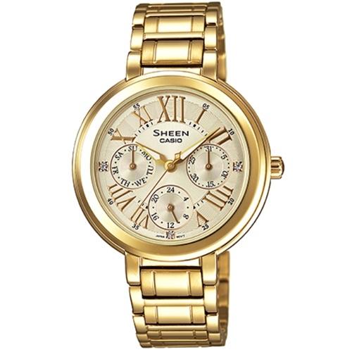 Часы женские наручные CASIO SHEEN, цвет: золотистый. SHE-3034GD-9ASHE-3034GD-9AЭлегантные женские часы CASIO SHEEN выполнены из нержавеющей стали, минерального стекла. Циферблат изделия дополнен светящимся составом на стрелках, символикой бренда кристаллами Swarovski. Часы оснащены полированным ударостойким корпусом, устойчивым к царапинам минеральным стеклом, тремя дополнительными циферблатами с индикаторами даты и дня недели, а также степенью влагозащиты 5 atm. Изделие дополнено стальным браслетом, позволяющим максимально комфортно и быстро снимать и одевать часы при помощи замка-клипсы. Часы поставляются в фирменной упаковке. Часы CASIO SHEEN подчеркнут изящество женской руки и отменное чувство стиля их обладательницы.