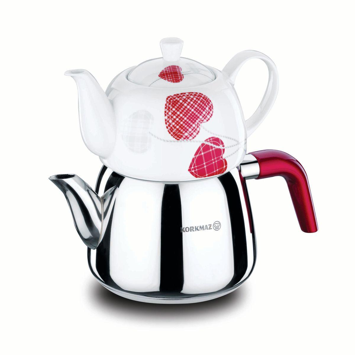 Чайная пара Korkmaz Bonjour: чайник, заварник, цвет: металлик, белый, красный. А067А067Чайная пара Korkmaz Bonjour  состоит из чайника и заварника с крышкой. Чайник изготовлен из высокопрочной хромо-никелевой нержавеющей стали марки 18/10. Инкапсулированное толстое дно, обеспечивающее наилучшее распределение и сохранение тепла. Благодаря нанесению специальной системы Solar base на дно посуды, тепло максимально быстро распространяется от центра к краям, позволяя значительно сэкономить время и энергию при готовке. Заварник изготовлен из фарфора с дизайнерским рисунком и оснащен крышкой. Чайник и заварник оснащены эргономичными ручками особого дизайна, предохраняющие руки от ожогов. Особо закругленный носик чайника позволяет не проливаться каплям при окончании розлива. Потрясающе красивый дизайн, сочетающий блеск стали и белоснежность фарфора. Отполированная до блеска поверхность длительное время сохраняет яркость. Для компактного хранения заварник ставится сверху на чайник. Можно мыть в посудомоечной машине. Во время мытья не...