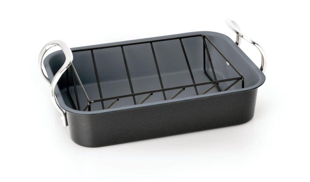 Противень с решеткой Earthchef 35х26х7,5 см, цвет: черно-серый3600626Корпус противня с решеткой Earthchef 35х26х7,5 см выполнен из высокоуглеродистой стали для энергосберегающего и равномерного прогревания, что обеспечивает однородность выпечки. Внутреннее покрытие -антипригарное Ferno Green, которое не содержит ПФОК, что позволяет легко извлечь выпечку из формы. Легко моется. Рекомендуется мыть вручную. Подходит для использования в духовом шкафу. Упакован в подарочную коробку. Высокоуглеродистая сталь с покрытием Ferno Green