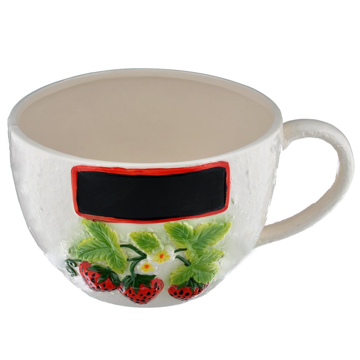 Кашпо House & Holder Чашка, цвет: молочный, диаметр 19 смDSF10A003H-1Кашпо-горшок для цветов House & Holder Чашка изготовлено из фарфора, покрытого глазурью, и оформлено рельефным изображением ягод клубники. Изделие выполнено в виде чашки и предназначено для цветов и небольших деревьев. На кашпо имеется место для надписи. Такие изделия часто становятся последним штрихом, который совершенно изменяет интерьер помещения или ландшафтный дизайн сада. Благодаря такому кашпо вы сможете украсить вашу комнату, офис, сад и другие места. Диаметр кашпо (по верхнему краю): 19 см. Высота кашпо: 13,5 см. Объем: 2,5 л.