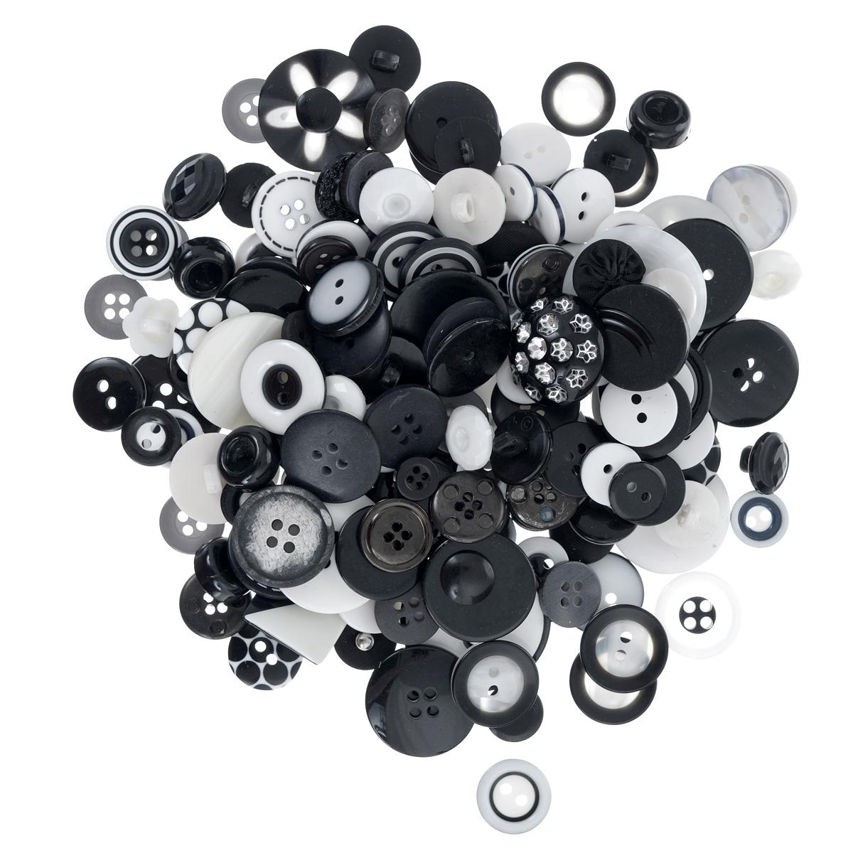 Пуговицы декоративные Buttons Galore & More Haberdashery Buttons, цвет: черный, белый, 115 г7708880_Черный/белыйНабор пуговиц для творчества и декорирования одежды Buttons Galore & More Haberdashery Buttons изготовлен из высококачественного пластика. В набор входят пуговицы различных размеров, форм и с разным количеством отверстий. Такие пуговицы подходят для любых видов творчества: скрапбукинга, декорирования, шитья, изготовления кукол, а также для оформления одежды. С их помощью вы сможете украсить открытку, фотографию, альбом, подарок и другие предметы ручной работы. Пуговицы имеют оригинальный и яркий дизайн. Средний диаметр пуговиц: 2 см.