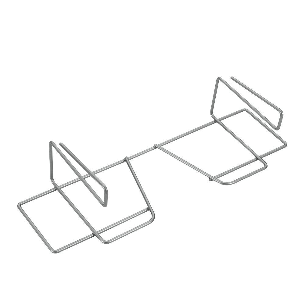 Держатель для бумаги/фольги Wrap, цвет: серебристый36.49.33/94Держатель для бумаги и фольги Metaltex Wrap предназначен для хранения бумаги и фольги. Он выполнен из высококачественной стали со специальным политермическим покрытием серебристого цвета Polyterm, которое не повредит вашу мебель. Благодаря компактным размерам держатель для бумаги и фольги впишется в интерьер вашей кухни и позволит вам удобно и практично хранить фольгу и бумагу для выпечки. Вы можете закрепить держатель для крышек на внутренней или внешней части полки кухонной мебели, не прибегая к сверлению или приклеиванию.