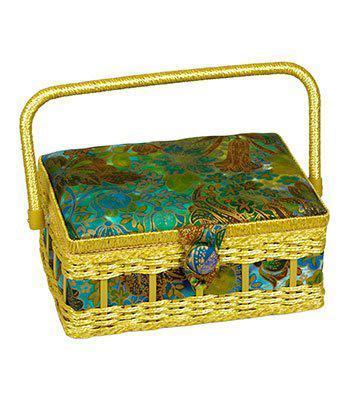 Шкатулка для рукоделия YA-09630-26 Grace, сине-оранжеваяYA-09630-26Шкатулка выполнена из ткани оригинальной расцветки. Изнутри шкатулка отделана атласным материалом, что позволяет отнести ее к классу Люкс! Шкатулка подойдет для хранения самых различных предметов в доме: от женских украшений до разных мелких предметов. В каждой шкатулке имеется съемный пластиковый лоток с отделениями.
